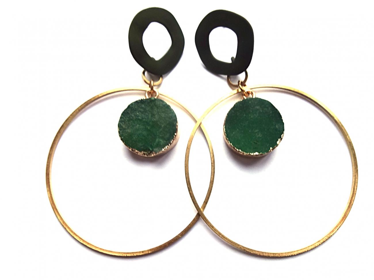 Auskarai iš žalio agato drūzos folijuotos aukso folija ir žalvariniais lankais