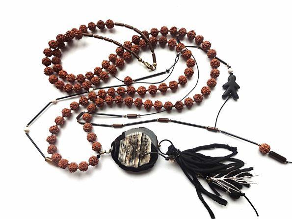 Bodhi sėklų, agato, natūralaus šilko ir baltojo koralo ilgas vėrinys