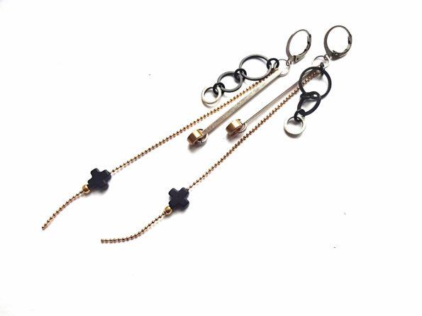 Geometriniai auskarai su houlito pliusais, sidabruotais,oksiduotais žalvario lankais ir auksuota grandinėle
