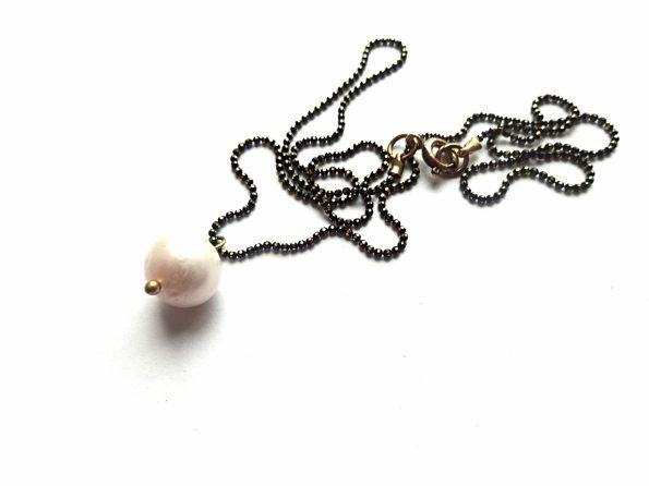 Gėlavandenis perlas ant oksiduotos iš šlifuotos žalvarinės grandinėlės