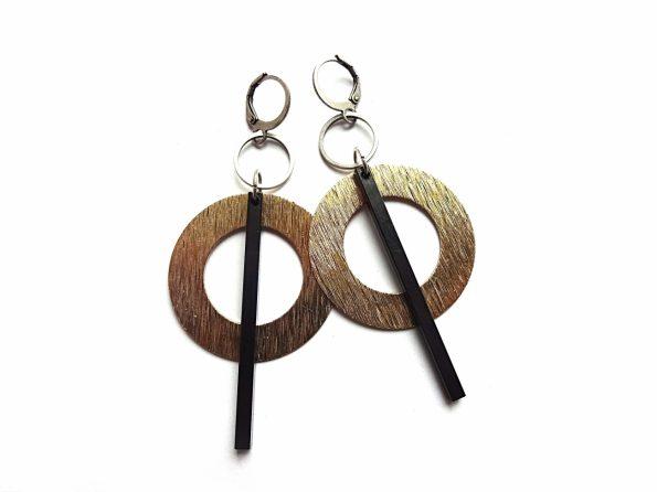 Žalvariniai auskarai lankai su oksiduoto žalvario pagaliukais