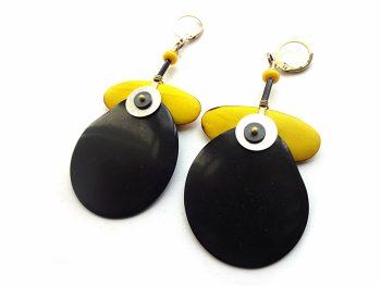 Geltono akacijos medžio, stiklo, hematito bei juodo tagua riešuto auskarai