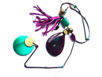 """Vėrinys """"Irisas"""" iš agato, žadeito, hematito ir natūralaus šilko kuto"""