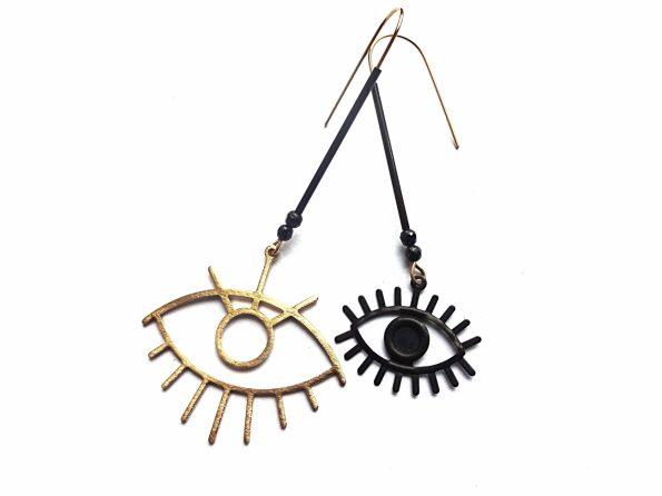 Asimetriski auskarai akys su špinelioakmenukais iš natūralaus ir oksiduoto žalvario