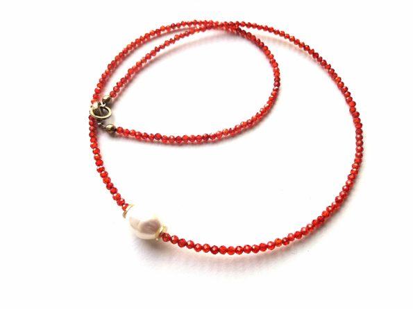 ryškaus oranžinio cirkonio ir gėlavandenio perlo vėrinukas