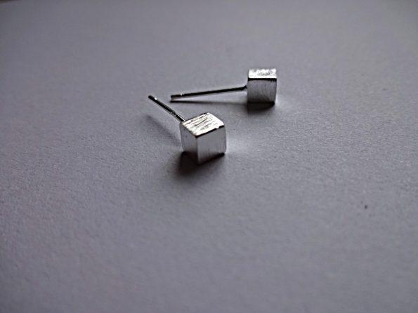 auskarai sidabro kubeliai