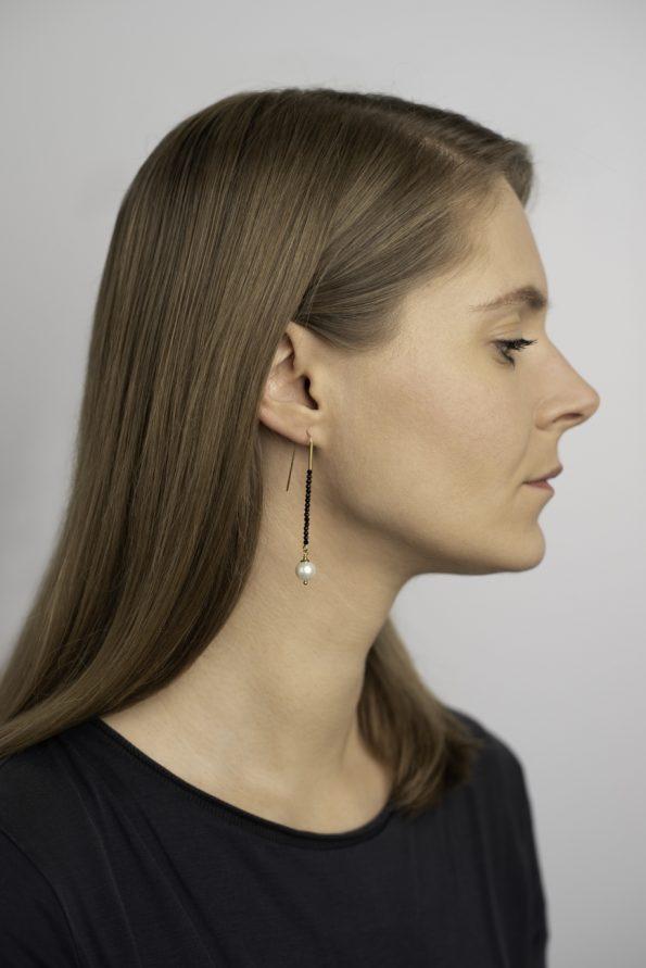 Elegantiški špinelio ir gėlavandenio perlo auskarai
