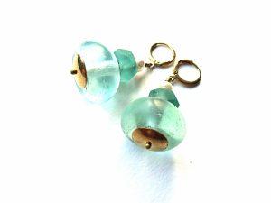 Rankų darbo afrikietiško stiklo auskaraai su gėlavandeniais perlais