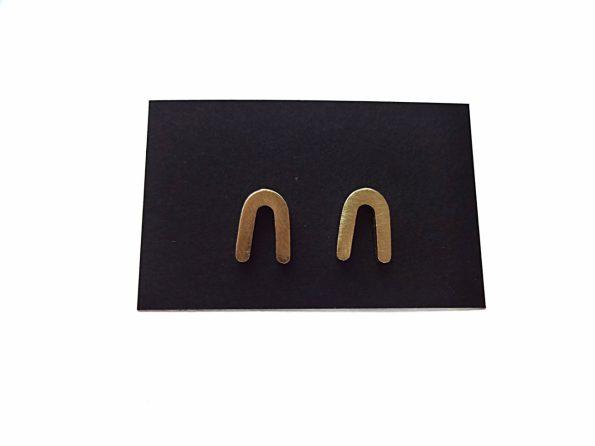 Žalvariniai minimalistiniai auskarai pasagėlės