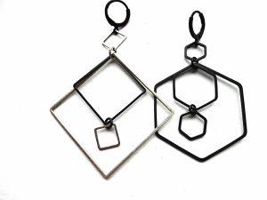 Asimetriški geometriniai auskarai iš sidabruoto ir oksiduoto žalvario